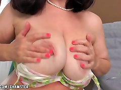 Nina fingers her big hard muscle sex pussy