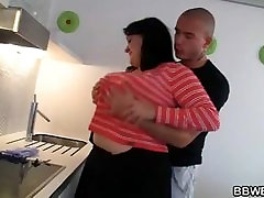 Cooking BBW getting threesome 69 anal and fucked