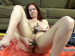Busty thisismysin nude Lia Shayde fucks her mature pussy with veggies