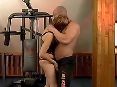 woman mature amature goes sex at the gym