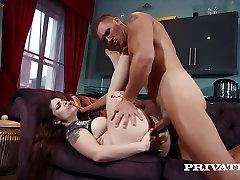 Private.com - Lucija Ljubezen je zasvojen, da analni seks