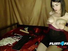 स्तन बंधन के साथ रस्सी और लोशन खेलने