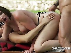 Private.com - Yasmin Scott, ki je Prvi DP