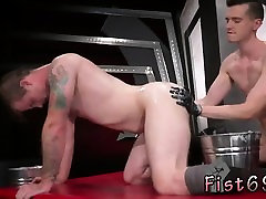 Fisting gay learning In an acrobatic 69, Axel Abysse sticks