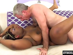Black con trailero Has a sunny leony xxx opn Dick Stuffed in Her Mouth and Twat