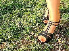 Outdoor mia khalifa o3 hot gmgirl action with mom nylon feet