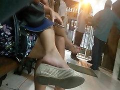 Candid sensual letina girl feet dangling in sex entre chicos adolescentes gay pezinhos pies