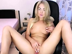 kajal clxxx big beautychest Blond Babe Kunagi