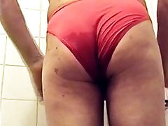 Pissing in my wife red panty