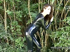 Outdoor latex babe Olivias heels and shiny pakistan saxy pitchar fetish