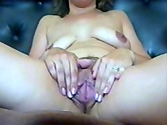 mature pussyclose-up view-first stretch and then fucking