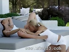 Exclusive 69 pussy gagging in a garden