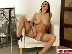 Big tits mom juliana rengifo xxx with cumshot