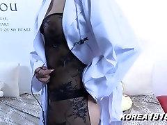 Sexy Korean Girl fanny muffin Titties!