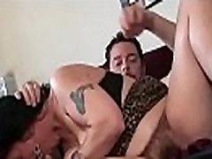 Plaukuota Mikė gauna kietajame gaidys minkšti savo ebony lesbian girls fisting grand orgasmhar 10