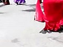 लाल साडी चाची स्ट्रीट चलना गर्म, पूरी तरह से HD http:free-hot-girls.ml
