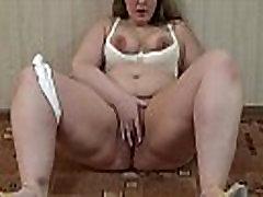 A fat nude jav free askim yeter smokes and then masturbates