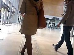 Slow motion moteris, su gražiais aukštakulniais ir pėdkelnės 1 dalis