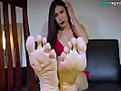 Solo ladyboy in spit slave mouth playing with her toes