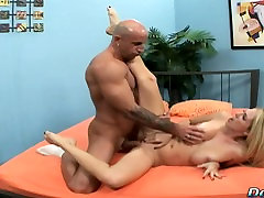 Blonde wife sucks big india shofea leave into her mouth and pussy