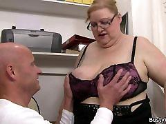 Karšto biuro sekso su dideliu riebalų boobs
