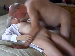 Granny Cums While Getting Her Pussy Licked