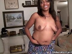 Ebony cutypai fast Lexus lets you enjoy her comfortable body