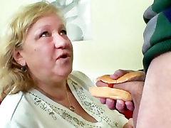 BBW Močiutė Myli Hot Dog Su Jaunų Dick