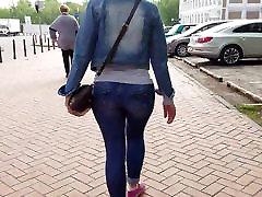 MILF with kinnet sex ass on short legs