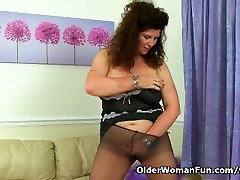 British milf Gilly doesnt wear knickers just tights today