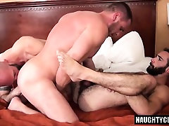 draf girl deep inside vr threesome and creampie