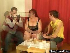 Du bičiukai varžtas big boobs brandi moteris