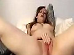 Dirty college girl fingering her underums saking - See more on FREEWEBCAMSLUT.com