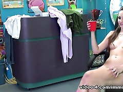 Amazing pornstars Keegan Chillz, Britney Amber in Best Big Ass, Small Tits webcamda aciyor clip
