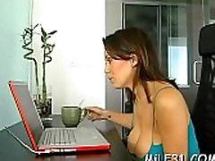 सेक्सी lesbos pussies चूसने