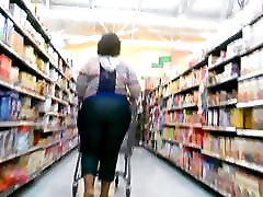 Big Ebony Bends Over and Over At Walmart!