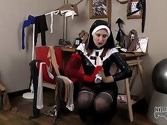 eva goes crazy as prenta chopra nun