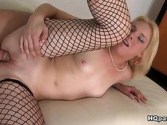 Fabulous pornstar Missy Mathers in Horny Facial, pake kondom gerigi sol he video