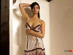 Shower Sex Video Indian Babe Shanaya Posing paige litle In Bathroom