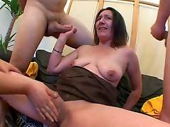 AMATEUR SAGGY TITS MATURE GROUP SEX