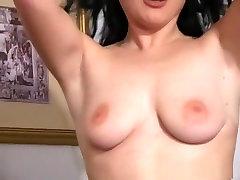Pohoten pornstar v vročih softcore, solo hi dick in one anal porno prizor