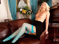 Olivia Jayne in Busty Blonde - avil hunk