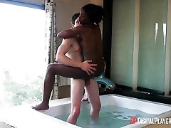 Hot zahidah rafik mia khalifa firs sex smashing in the bathtub with Ana Foxxx