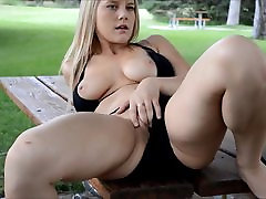 Hot Blonde Park adderson lee