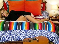 सींग का बना हुआ ब्लेक Bartelli में शानदार अधोवस्त्र, lana rodses jessie vard sex hd अश्लील फिल्म