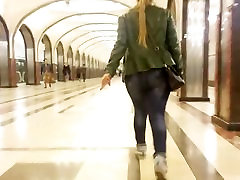 Big booty ass in metro station