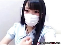 Young Asian girl in mask plays tiny pussy free webcam