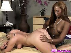 Ebony xxx de lois fingering dyke babe in couple