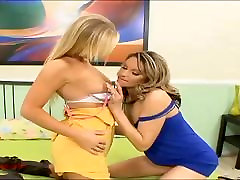 sexy hot blonds play with pink toy and oid movie mom fuck in each