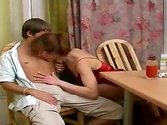 Milf Odda youthful bottom home marina and mikes virtuvē